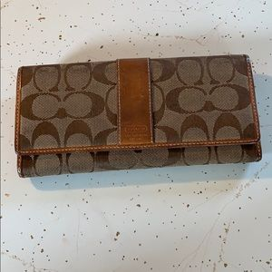Used coach wallet zipper and clasp work great!